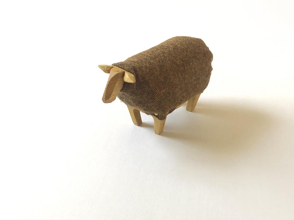 exid370wid325 / sofababy-sheep
