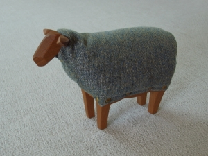 exid40245wid38058 / Sofababy - Sheep no.5