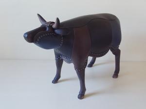exid40079wid37892 / 黒い牛